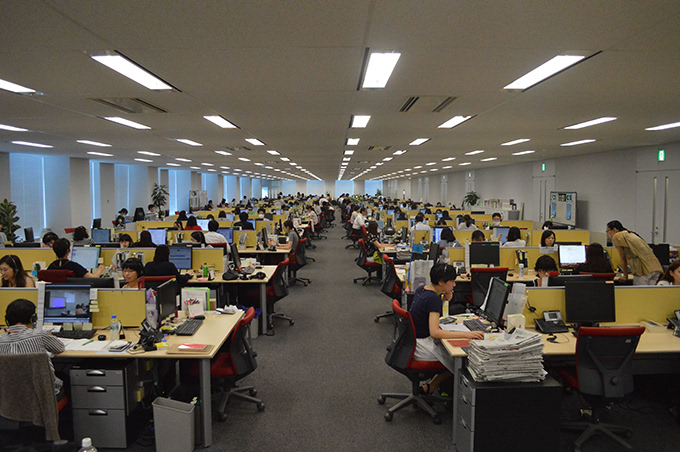 松井証券のコールセンターの様子